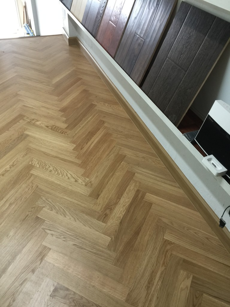 Natural Oak Herringbone Wood Flooring